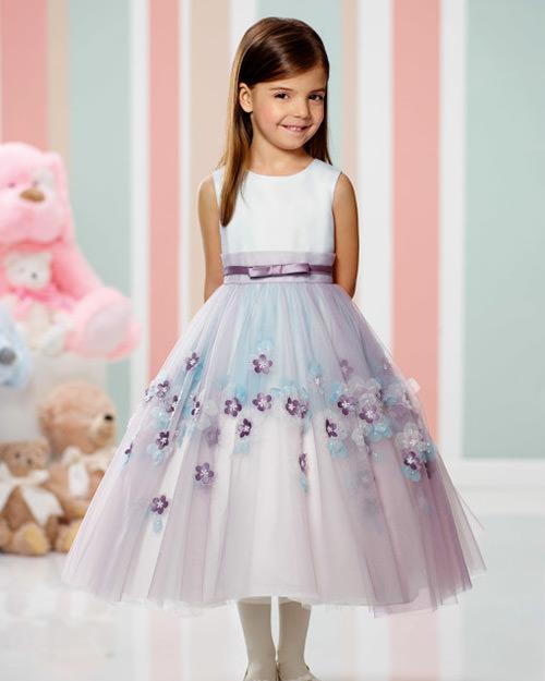 O bacana desse tipo de vestido é que dá para usar com ou sem meia calça