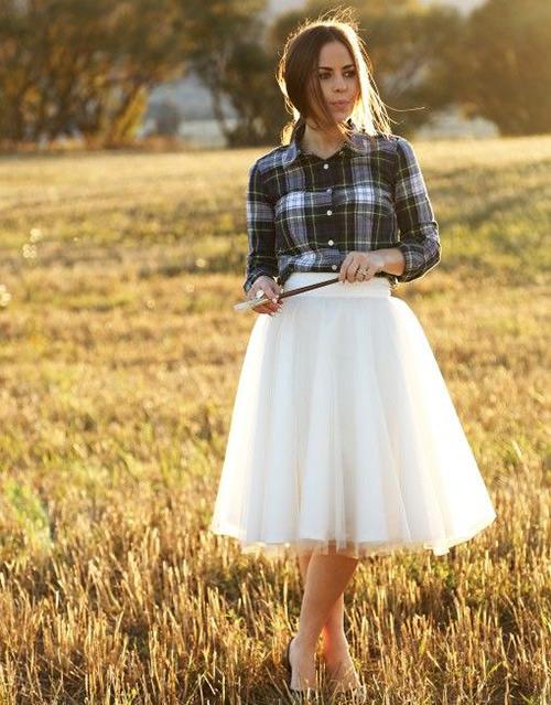 Uma saia colorida também ficaria bem bonito e alegre